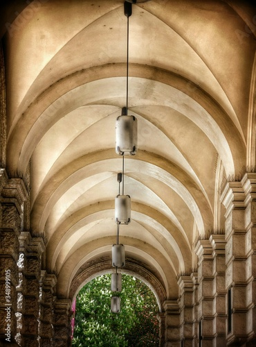 Fotografia Low Angle View Of Lamps Hanging On Ceiling