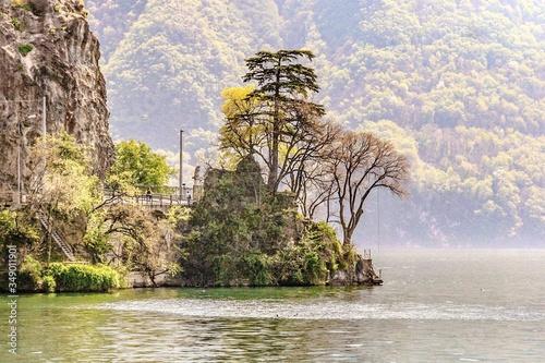 Obraz na płótnie View Of Lake And Rocks