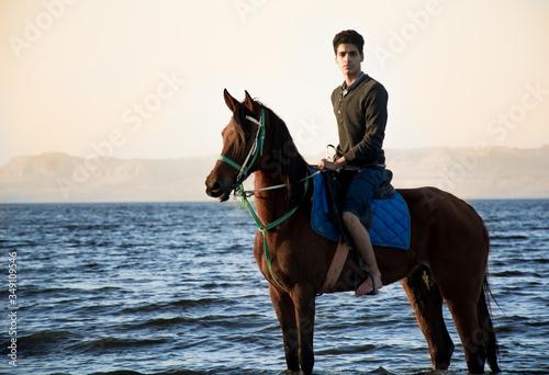Stampa su Tela Horse riding in beach