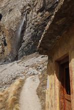 Vasudhara Waterfalls- The Myst...