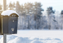 Beautiful Vintage Mailbox On S...