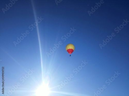 Canvastavla Low Angle View Of Hot Air Balloon Against Sky