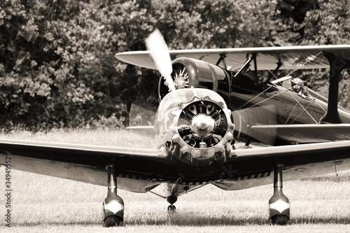 Photo Airplane On Field