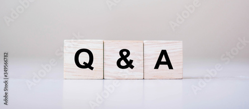 Photo Q&A word with wooden cube block