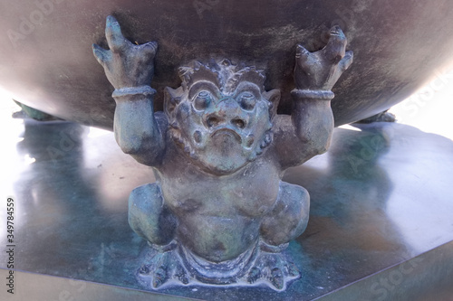 Fényképezés 日光山輪王寺 三仏堂の常香炉