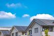 太陽光発電をする住宅街