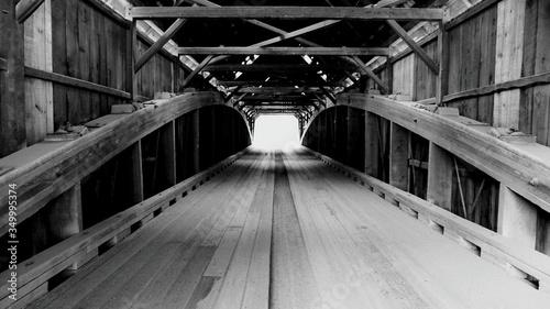 Fotografiet Wooden Footbridge