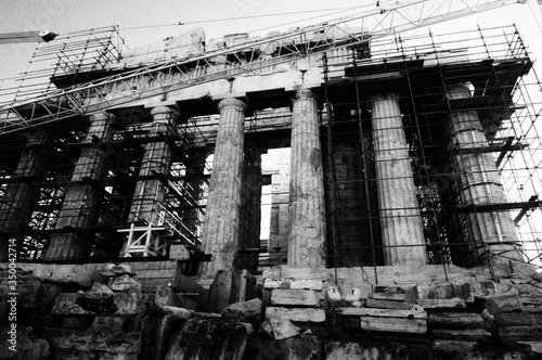 Fotografija Ancient Colonnade With Scaffolding