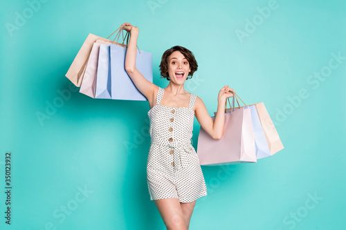 Photo Portrait of her she nice-looking attractive lovely pretty fashionable glad cheer