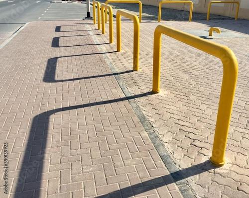 Carta da parati Shadow On Sidewalk