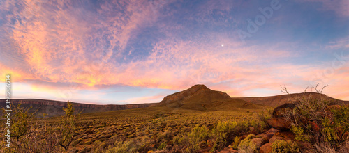 Photo Wide angle views over the plains of the Tankwa Karoo in the Northern Cape Provin