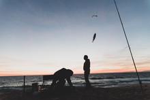 Pêcheurs Sur Une Plage Du Por...