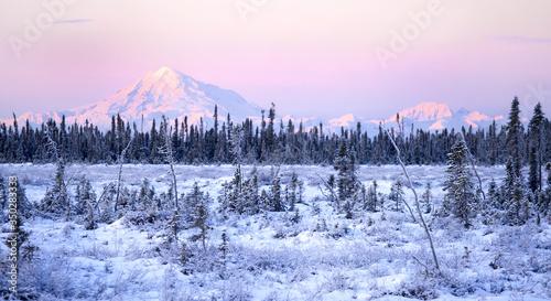 фотография Alpenglow on Alaska mountains