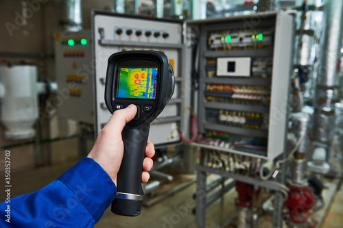 Canvastavla thermal imaging inspection of electrical equipment