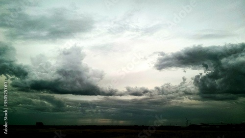 Foto Scenic View Of Cloudy Sky At Dusk