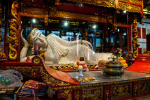 The Reclining Jade Buddha In T...