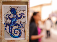 Azulejo Con Salamandra Azul