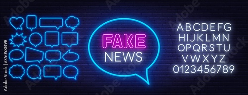 Fotografie, Obraz Neon fake news sign