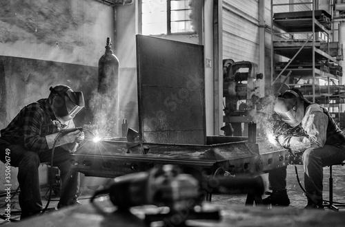 Valokuva Welder at work, welding iron