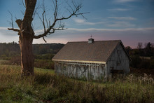 Old Barn In Rural Upstate New ...