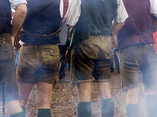 Group of men in traditional leather pants Fototapet