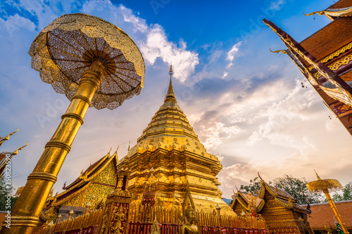 Photo Wat Phra That Doi Suthep is a Buddhist temple is a major tourist attraction Is an ancient Thai art and Public places in Chiang Mai,Thailand