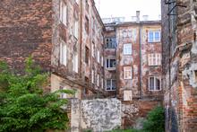 Old Tenement Houses To Praga /...