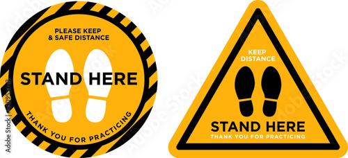 Fotografía keep distance stand here signage icon