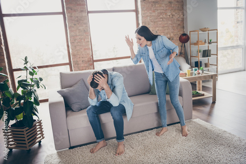 Photo Full length photo of outraged woman shout man did mistake fail feel despair touc