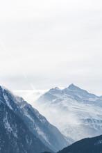 Österreich, Tirol, Sölden, Berge Des Ötztals, Sölden Ist Die Flächengrößte Gemeinde Österreichs, Mit 3199 Einwohnern Im Südlichen Teil Des Ötztals Im Bezirk Imst, Tirol. Sölden Liegt Auf Einer Höhe Von 1368 M ü. A.
