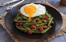 Fried Green Beans With Bacon A...