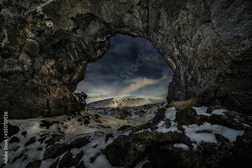 Fotografija Snow Covered Rocks On Archway