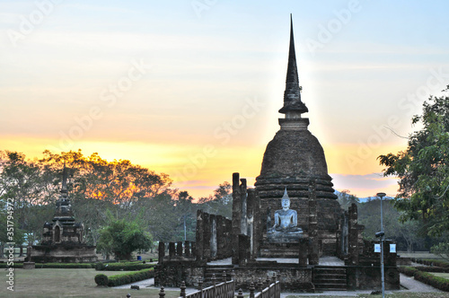 Obraz na płótnie Buddha Statue At Sukhothai Historical Park Against Sky