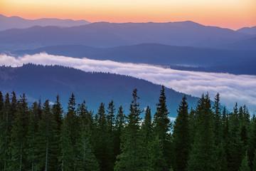 Fototapeta Do Salonu Kosmetycznego Morning mountain landscape