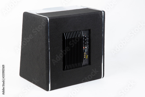 Cuadros en Lienzo Active subwoofer with built-in amplifier for installation in the car
