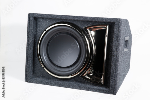 Fotografía Active subwoofer with built-in amplifier for installation in the car