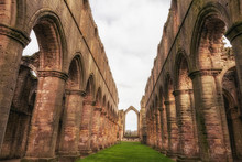 Fountains Abbey & Gardens,studley