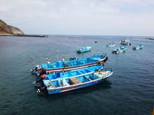Vista De Mar Y Botes Desde Mue...