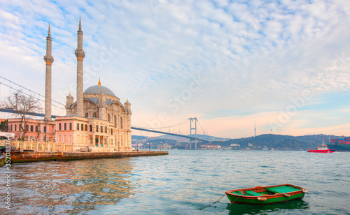 Stampa su Tela Ortakoy Mosque and Bosphorus bridge view at sunrise - Istanbul , Turkey