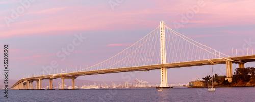 Fotomural Eastern span of San-Francisco-Oakland Bay Bridge panoramic view at Twilight