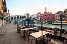 Venice In Italy - Rialto Bridg...