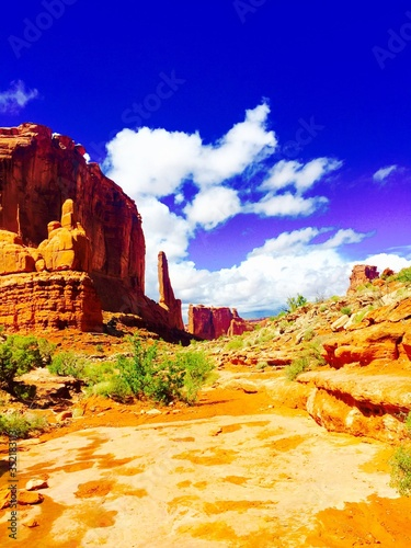 Photo Rock Formations Against Sky At Arches National Park On Sunny Day