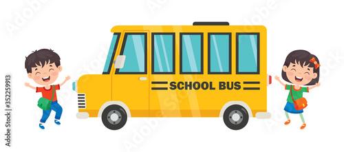 Fototapeta Happy Children And School Bus obraz