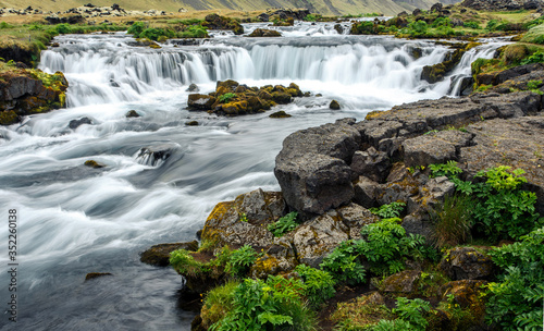 Photo Amazing nature landscape with river of Iceland