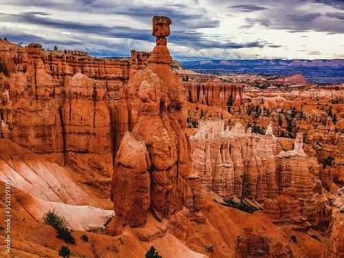Rock Formations At Bryce Canyon National Park Fotobehang