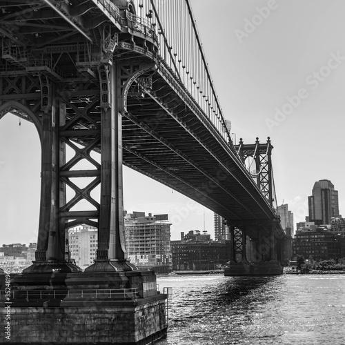 Fototapety, obrazy: View Of Suspension Bridge In City