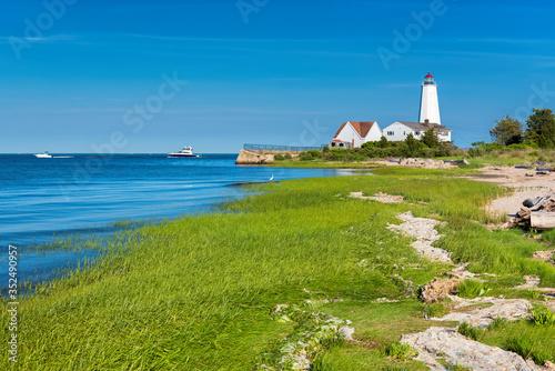 Obraz Lynde Point Lighthouse, Old Saybrook, Connecticut, USA - fototapety do salonu