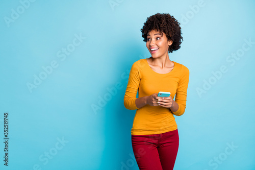 Fotomural Portrait of her she nice attractive lovely glad excited amazed cheerful cheery w