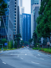 Quiet Singapore Downtown Stree...