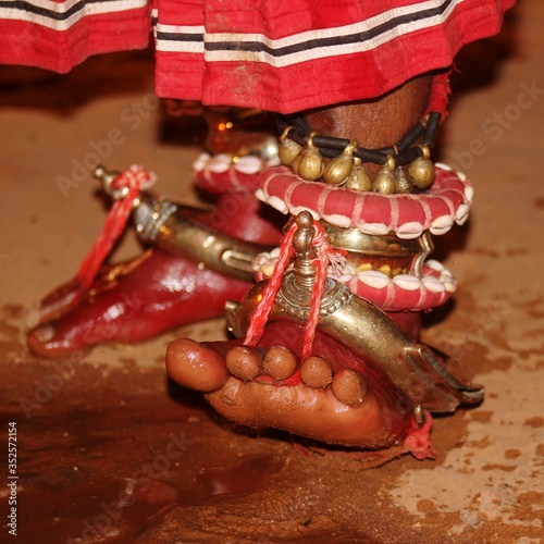 Photo Low Section Of Woman Wearing Traditional Anklets